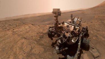 Selfie of Curiosity rover